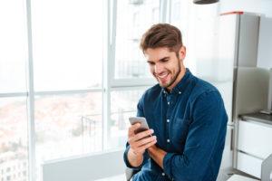 出会い系アプリの種別による、写真を見る場合の注意点とは?