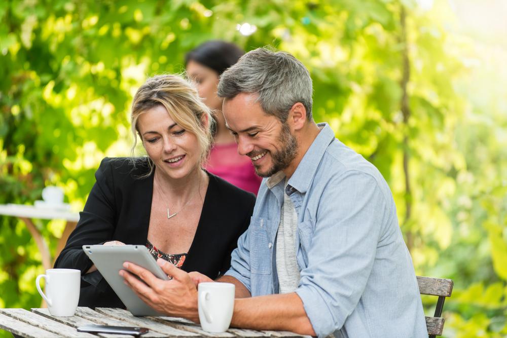 中年世代の婚活にサイト選びが重要な理由とは?おすすめの婚活サイト3選
