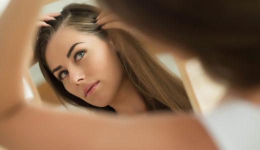 女性のための育毛剤はいつ頃から必要なの?について解説します