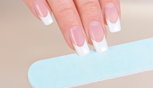 ネイルチップの正しい付け方!自爪を傷めず長持ちさせる方法とは?