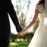 マッチングアプリで結婚した人はいる?おすすめのアプリや馴れ初めについても紹介