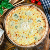クアトロフォルマッジとは?4種のチーズにはちみつをかけて更に美味しい人気ピザについて!